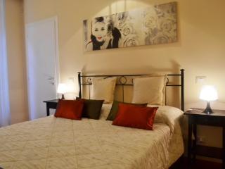 Cheap &charm - Como old town - Como vacation rentals