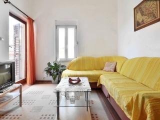 Bright sunny apartment near sea - Podstrana vacation rentals