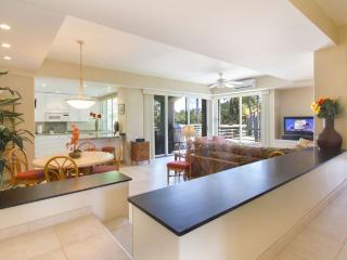 Beautifully remodeled 2 bedroom!Near pool and spa! - Wailea vacation rentals