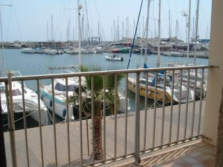 STUDIO CABINE 4 pers labellise 2 clefs confort - Gruissan vacation rentals