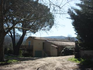 Golfe de St-Tropez - Appart 4/6 pers  piscine -eta - Cogolin vacation rentals
