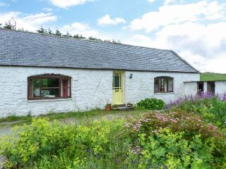 KETTLE KNOWE, all ground floor, open fire, WiFi, garden with furniture, great base for walking, Ref 904654 - Colvend vacation rentals