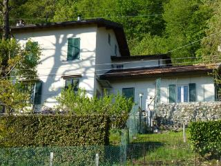 Il nido d'edera - The Ivy Nest - Como vacation rentals