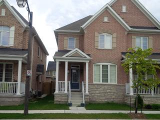 BEST VACATION HOME IN TORONTO CANADA 3 Bedroom / 3 - Whitby vacation rentals