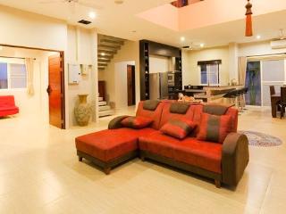 Stunning 5 Bedroom Villa Rawai - Rawai vacation rentals