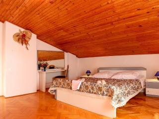 Grande - A place to call home for the whole family - Stinjan vacation rentals