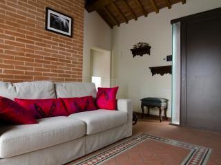 Design Tuscany House - Civitella in Val di Chiana vacation rentals