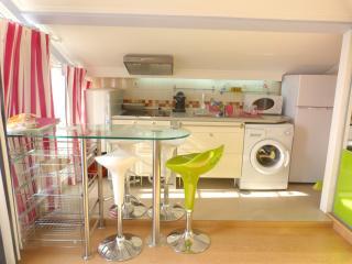 Sesimbra Charming Rental Studio - Sesimbra vacation rentals