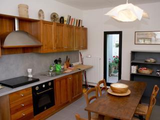 Casa dell'Editore Books & Breakfast - Ala Sud - Rimini vacation rentals