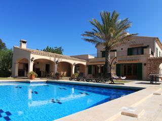 Es Serral  Villas2rent Mallorca - Cala d'Or vacation rentals