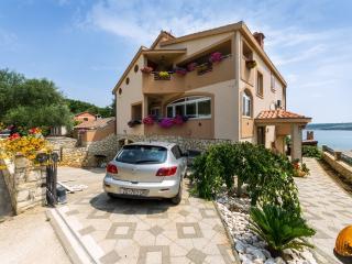 Gora holidays - Posedarje vacation rentals