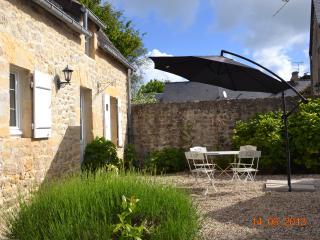 GITE DE LA VALLEE - Port-en-Bessin-Huppain vacation rentals