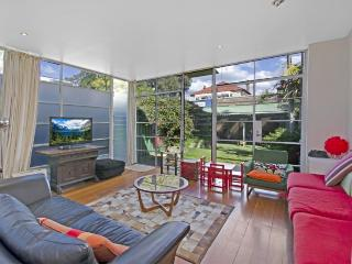 QUEENS PARK Lynch Avenue - Woollahra vacation rentals