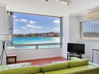 BONDI BEACH Ramsgate Avenue .2/126. - Bondi vacation rentals
