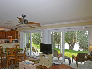 *LAKE FRONT CONDO*FREE WIFI*BEACH HALF  MILE AWAY - Destin vacation rentals