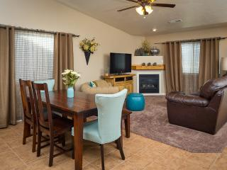 Rustic Elegance. Newly furnished unit, sleeps 9. - Moab vacation rentals