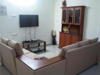 Fully Furnished and 3 BHK A/c Luxury Apartment nea - Kochi vacation rentals