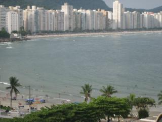 Apartamento Moderno 230m2 na Praia com 4 Suites - Guaruja vacation rentals
