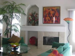 TWO BEDROOM VILLA ON EAST TRANCAS - V2HOU - Greater Palm Springs vacation rentals