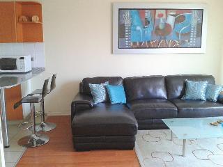 We offer aparts w/ balcony, pool close Larcomar ! - Lima vacation rentals