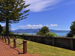 3303f92a-efc7-11e2-ae9b-b8ac6f94ad6a - South Island vacation rentals