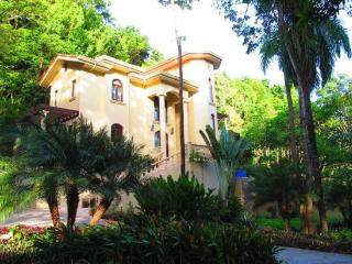 Castillo Des Arboles - Flowers Bay vacation rentals