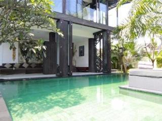 M-VILLAS 4-BED Luxury oasis the Heart Of Seminyak - Seminyak vacation rentals