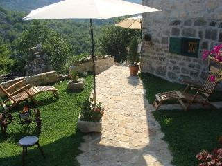 LUX STONE VILLAGE HOUSE - Omis vacation rentals