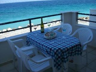 Holiday House at the edge of the sea. - Kamari vacation rentals