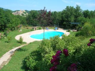 Colle della Sibilla - country flat - Sarnano vacation rentals