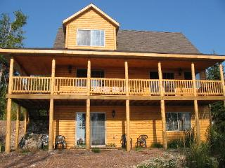 3BR 2BA Log Home on Lake Michigan in Central U.P. - Garden vacation rentals