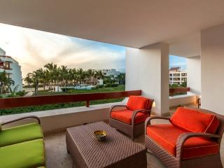 Casa de Sonrisas (6200) - Great Ocean Views, Vibrant Decor, Beachfront - Cozumel vacation rentals
