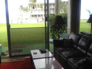 Condo on the beach - Waianae vacation rentals