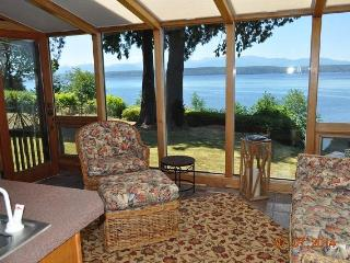 Hood Canal Waterfront Executive Lodge Home - Quilcene vacation rentals