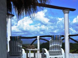 HIDDEN HILLS Breathtaking View Stylish & Private - Palawan vacation rentals