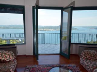 Villa Contessa - Lago Maggiore - - Lesa vacation rentals
