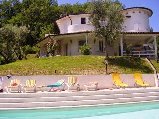 Villa Agone 10 - San Felice del Benaco vacation rentals