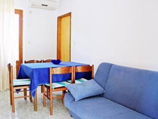 Villa Brksi-One bedroom apartment with balcony - Slatine vacation rentals