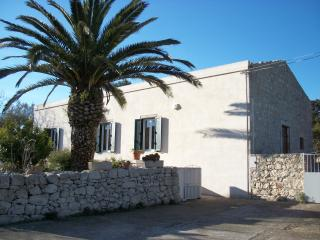 Ciaramira - Holiday House - Modica vacation rentals