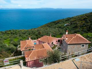 DIO GUESTHOUSES - MALEAS 2 B/R VILLA WITH GARDEN - Tyros vacation rentals