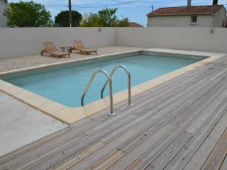 villa Sanchrissima - Beaucaire vacation rentals
