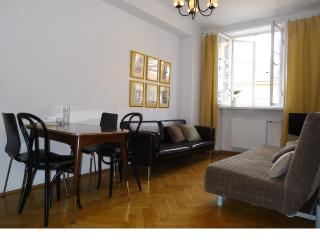 Key to Warsaw: Old Town Square 4/6 - Warsaw vacation rentals