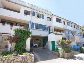 Apartment for 4 in Porec,  quiet  residential area - Porec vacation rentals