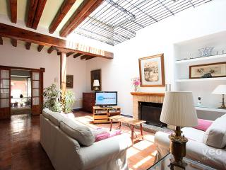 Monsalves. Stately house for 12 in 5 bedrooms - Seville vacation rentals