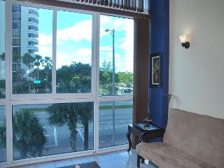 2-story 1 Bedroom, Full Kitchen - Miami Beach vacation rentals