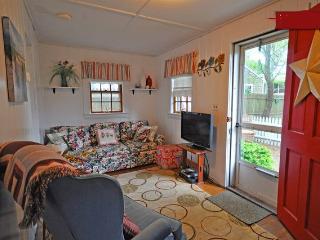 Sand Pebble Cottage-Walk to Beach, Village-Pets Ok - Dennis Port vacation rentals