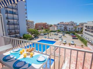 MERMAID Practical apartment with communal pool - Catalonia vacation rentals