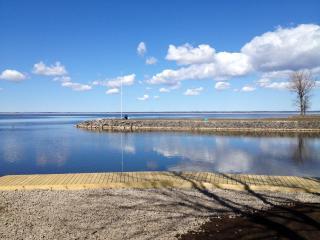 Boating/Fishing Gem, Oneida Lake, 20 mins from Syr - Syracuse vacation rentals