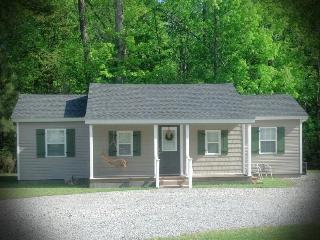 The Pinewood Guesthouse (Quiet Country Cottage) - Edenton vacation rentals