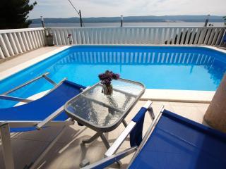 MAKARSKA AREA, apartment Mimice 2 - Mimice vacation rentals